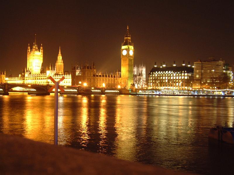 http://www.remenuk.de/Travels/2001_London/slides/London_04.JPG